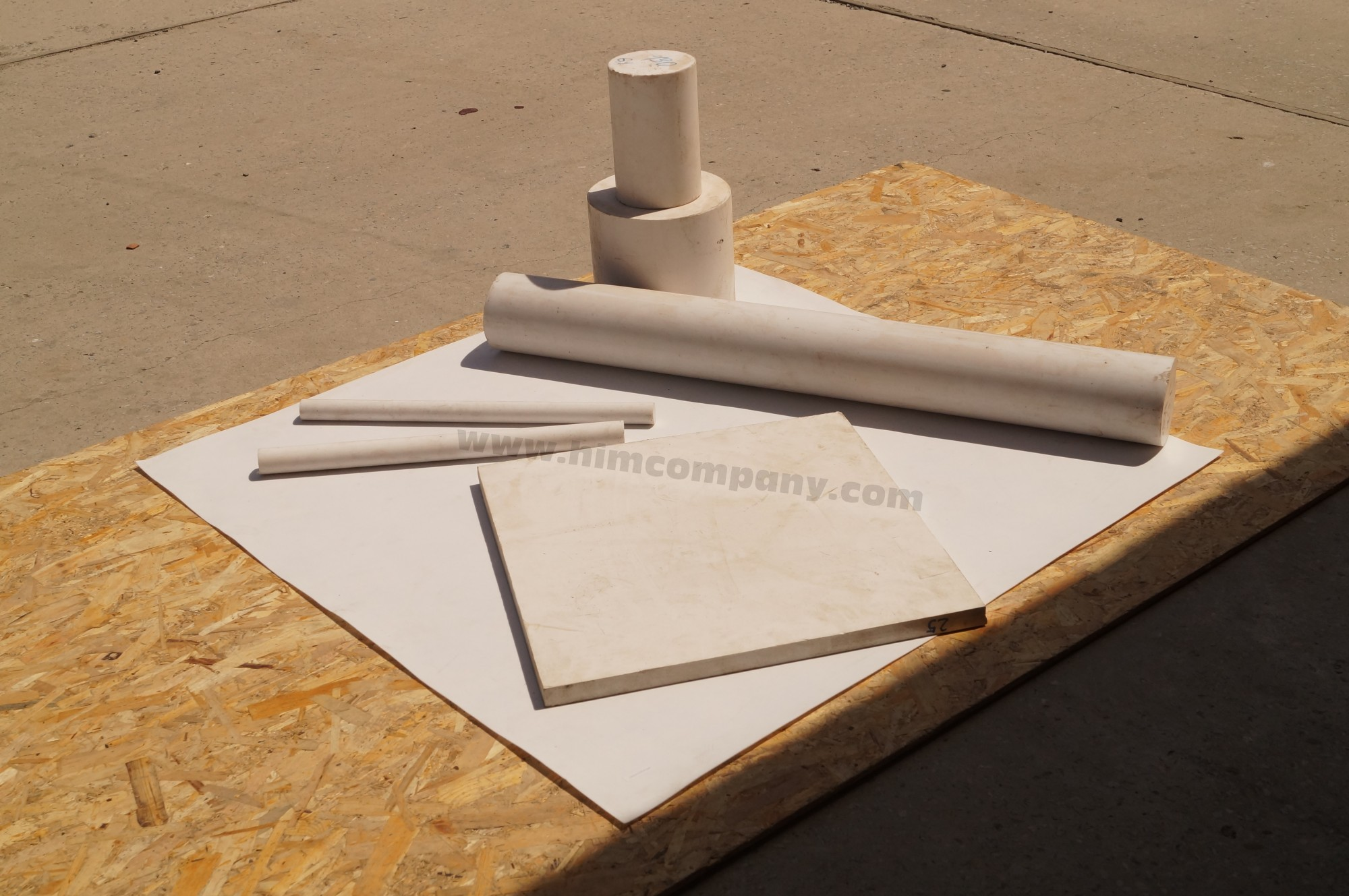 Фторопласт листовой 20 мм (1000х1000 мм, вес~45 кг.)